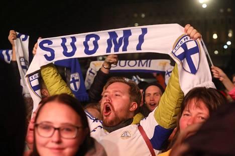 Hyvä Suomi, hyvä Huuhkajat!