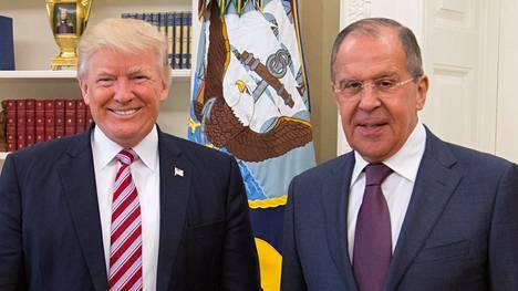Donald Trump ja Sergei Lavrov Valkoisessa talossa.