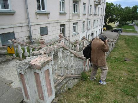 Elokuvahullujen ja arkkitehtuurin ystävien lisäksi kaupunki pysäyttää myös tavallisen matkailijan ikuistamaan maisemiaan.