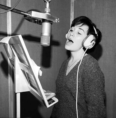Studiossa vuonna 1963.