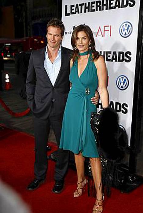 Randy Gerber ja Cindy Crawford saapuivat Leatherheads-elokuvan ensi-iltaan 31. maaliskuuta.