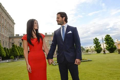 Prinssi Carl Philipin ja Sofia Hellqvistin kihlaus julkistettiin kesäkuussa 2014.