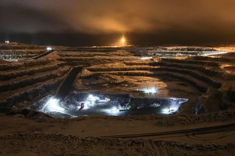 Ydinvoimaa pidetään ratkaisuna ilmastonmuutoksen vastaisessa taistelussa, mutta ilmastojohtajuuttaan korostava EU on ajanut oman uraanintuotantonsa alas. Terrafamen kaivoksesta tulee Euroopan ainoa toimiva uraanintuottaja.
