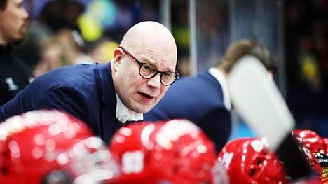 Risto Dufvan valmentama Sport aloitti kauden yhdeksän ottelun vieraskiertueella.