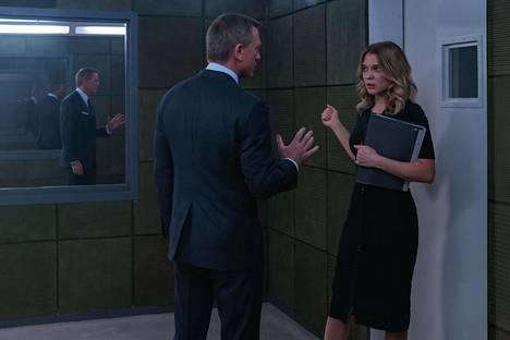 James Bond (Daniel Craig) kohtaa tulevassa Bond-seikkailussa Madeleine Swannin (Léa Seydoux) ensimmäistä kertaa vuosien jälkeen.