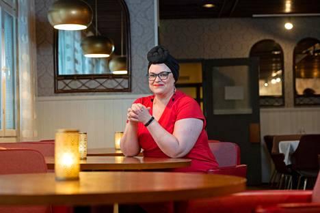 Teija-Liisa Paananen johtaa kahta majoitusyritystä, Motelli Käpylää Keminmaassa ja Hotelli Palomestaria Kemissä.