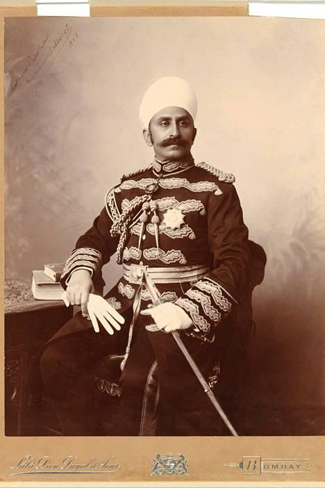 Lala D.Dayalin ottama Maharaja Kishen Pershad Yaminin muotokuva.
