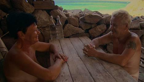 Stina, 52, sai saarelle ensin seurakseen Harrin. Myöhemmin seuraan liittyi vielä Tom.