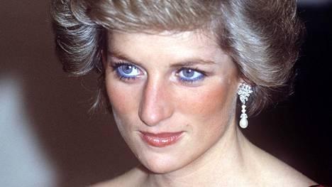 Prinsessa Diana käytti usein sinistä silmänrajauskynää – kunnes hänen meikkitaiteilijansa puuttui asiaan.