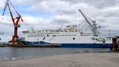 Wasalinesin Aurora Botnia -alus Rauman telakalla.