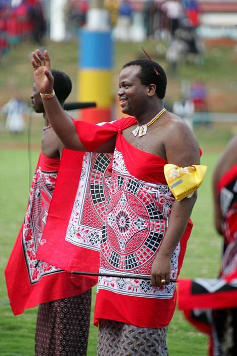 Kuningas Mswati III:lla on 14 vaimoa ja 23 lasta.