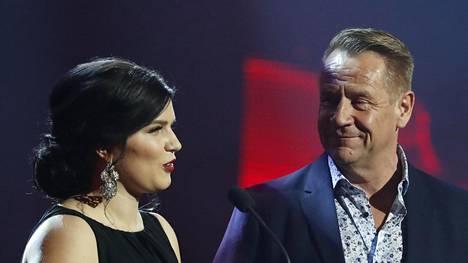 Olli Lindholm ja Suvi Teräsniska tutustuivat jo vuosia sitten. Teräsniska on julkisuudessa kutsunut Lindholmia oppi-isäkseen.