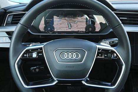 Myös digitaalinen ja varsin näyttävä mittaristo tottelee Audin nykyfilosofiaa. Mittariston näkymä on muokattavissa.