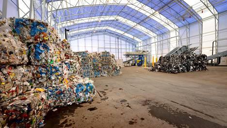 Ekokemin Kiertotalouskylä avattiin Riihimäellä kesäkuussa 2016. Kuvassa muovijalostamo.