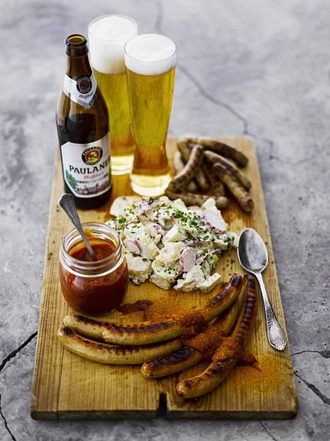 Saksalaisen makkaran kanssa maistuu saksalainen vehnäolut.