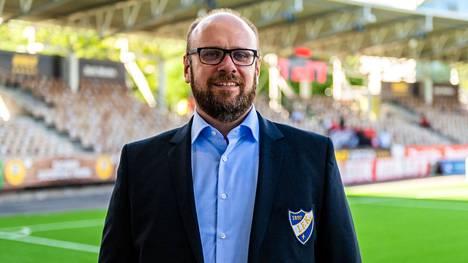 Christoffer Perret toivoo kannattajilta vastuullista käytöstä keskiviikon derbyottelussa.