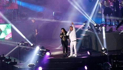 Cheek kutsui lavalle Diandran laulamaan kanssaan Fiiliksissä-kappaletta.
