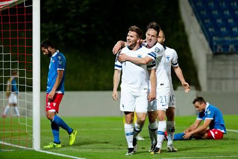 Benjamin Källman juhli ensimmäistä maalia A-maajoukkuessa Liechtensteinia vastaan kesäkuussa 2019.