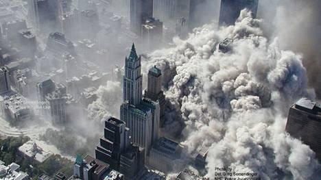 WTC-tornien tuhosta julki uusia, dramaattisia kuvia