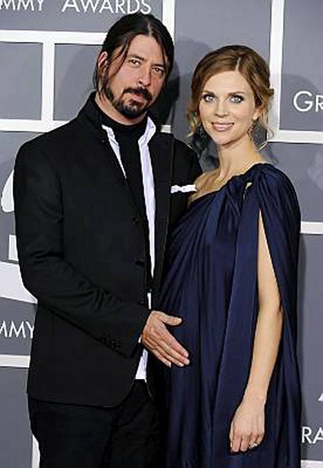Dave Grohlin ja Jordyn Blumin toinen tytär syntyi viime perjantaina.