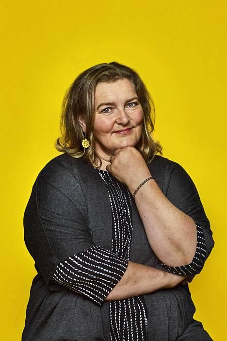 """""""Tuntuu hyvältä, kun voi omasta kokemuksesta sanoa, että uupumuksesta voi toipua"""", Liisa Uusitalo-Arola sanoo."""