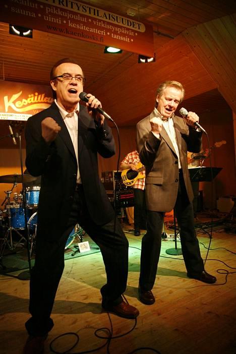 Matti ja Teppo ovat aina saaneet kehuja lavaenergiastaan. Tässä he ovat Parkanossa 2008. Lokakuussa starttaa 15 kaupungin konserttikiertue – viimeiseksi mainittu.