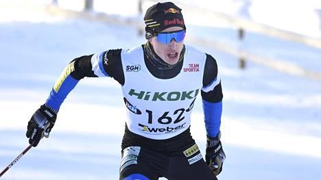 Iivo Niskasen hiihtopäähineen alla oli vielä hiuspehko, kun mies viime viikonloppuna voitti Pyhäjärvellä SM-kultaa sekä parisprintissä Perttu Hyvärisen kanssa että 15 kilometrillä (v).