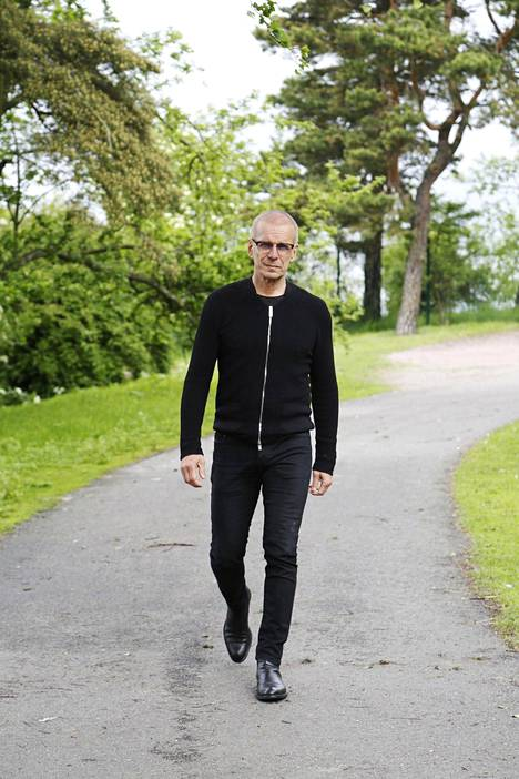 """–Jatkan vielä työntekoa, vaikka jäänkin eläkkeelle syksyllä. Koskaan ei pidä sanoa lopullisesti mihinkään """"ei"""", Jukka Puotila on oppinut."""