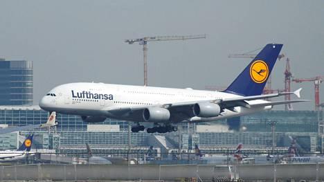 Saksalainen Lufthansa kuuluu maailman suurimpiin lentoyhtiöihin.