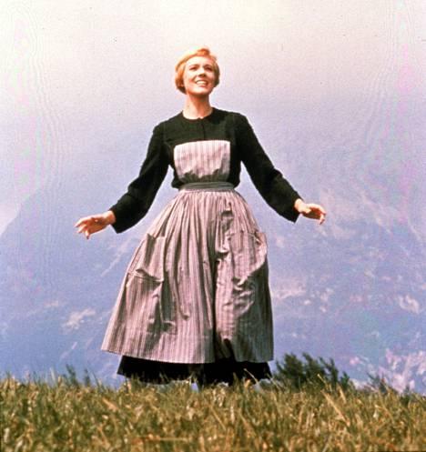 Julie Andrews lauloi The Sound of Musicin (1965) Mariana itsensä katsojien sydämiin.