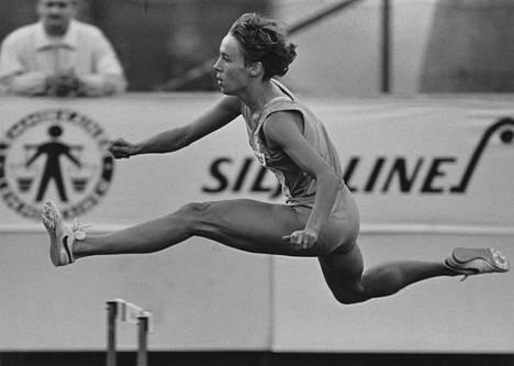 Tuija Helander kilpailemassa Lahden Eliittikisoissa vuonna 1987.