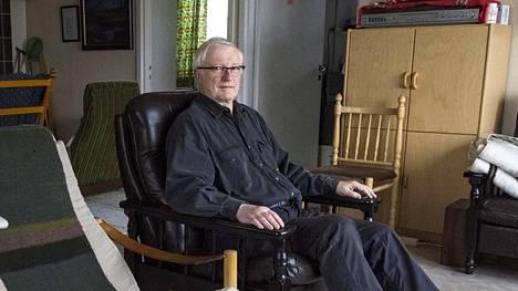 Paavo Leppänen on yrittänyt myydä kotiaan jo yli kolme vuotta. Talo on hänen mukaansa nuoremman väen perheasunto, mutta sellaiselle ei pienellä paikkakunnalla ole ostajia.