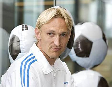 - Kunto on hyvä, vakuuttaa Sami Hyypiä ennen kymmenettä kauttaan Liverpoolissa.