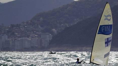 Sunnuntain olympiapurjehduksen alku viivästyy – alueella tehtiin myös hallittu räjäytys