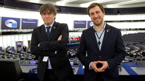 Espanja on pyytänyt EU-parlamenttia poistamaan Carles Puigdemontin ja Toni Cominin  syytesuojan.