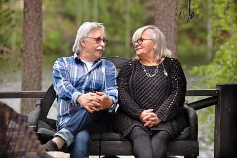 Matti ja Pirjo Eskonniemi ovat olleet yhdessä jo kouluajoista.