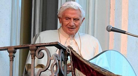 Paavi Benedictus XVI lähti viimeisen kerran Vatikaanista
