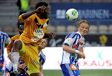Harvinainen voittoVPS on pystynyt hakemaan Helsingistä täydet pisteet vain seitsemän kertaa. Viimeksi niin kävi toukokuussa 2013, jolloin Klubi kaatui 2–1. VPS:n avausmaalin teki Tomi Ameobi (vas.).