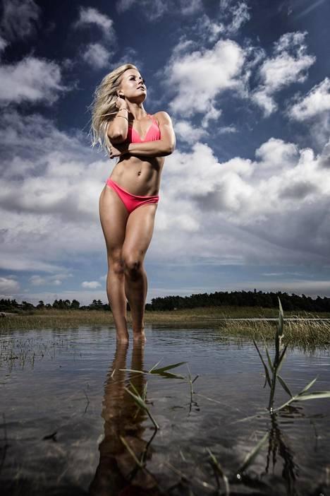 Janni Hussilla on nykyään tasapainoinen ja terveellinen suhtautuminen kehoonsa ja treenaamiseen. –Kun tein vielä tosissani fitnessiä, olin pelkkä kuori, minulla ei ollut mitään annettavaa.