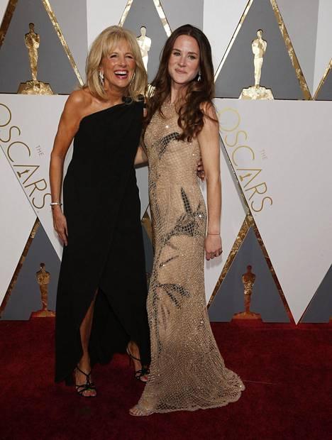 Jill ja Ashley Biden edustivat yhdessä Oscar-gaalassa vuonna 2016.