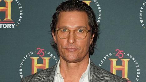 Matthew McConaughey avautuu elämäkertakirjassaan teini-ikäisenä kokemastaan hyväksikäytöstä.