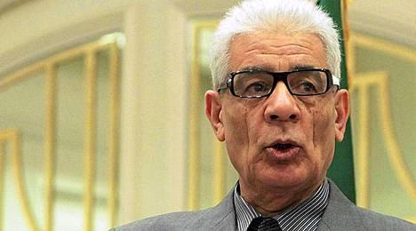 Libyan ulkoministeri Mussa Kussa loikkasi.