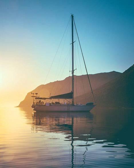 Matka-aluksena on 17,5 metriä pitkä Swan 57 -tyyppinen vene Panacea.