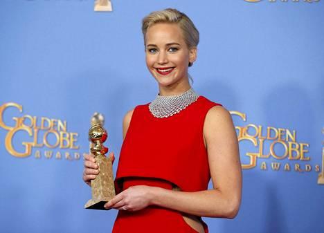 Jennifer Lawrence voitti parhaan elokuvanäyttelijättären palkinnon musikaalissa tai komediassa roolistaan elokuvassa Joy.