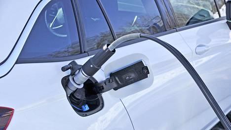 Liikenne- ja viestintäministeriön tilaama raportti nosti esiin lukuisia keinoja, joilla liikenne saataisiin päästöttömäksi vuoteen 2045 mennessä. Yksi on kaasuautojen määrän kasvattaminen.