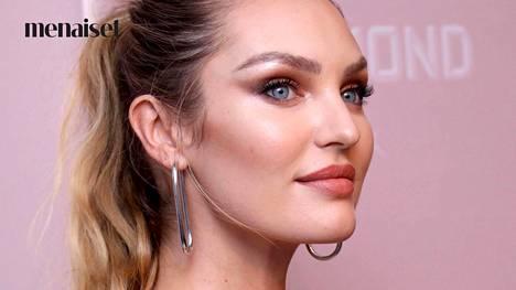 Hehkutuotteella eli highlighterilla on tarkoitus korostaa kasvojen kohtia, joihin valo muutenkin osuisi: esimerkiksi poskipäitä, kulmaluita, nenänvartta ja amorinkaarta.