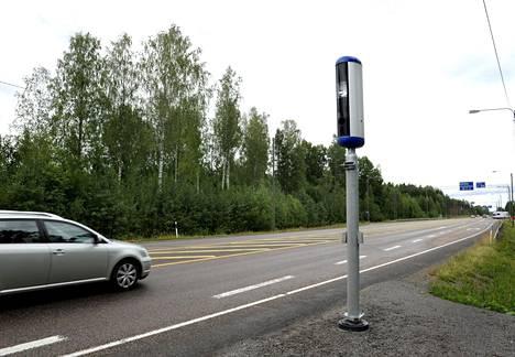 Uusi liikenteenvalvontakamera Valtatie 6:n varrella Kouvolassa 11. heinäkuuta 2019.