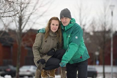Heidi-vaimo ja Toni yhdessä joulukuussa 2016.