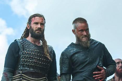 Clive Standenin näyttelemä Rollo on viikinkipäällikkö Ragnarin (Travis Fimmel) veli. Kuva sarjan kolmannelta kaudelta.