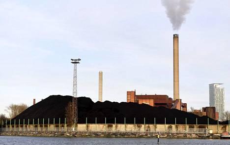 Hanasaaren hiilivoimalaitos lopettaa toimintansa 1. huhtikuuta 2023 mennessä.